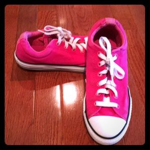 Pink Converse. Size 6